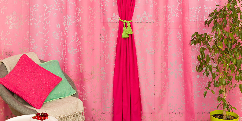 Pink ruzicasta zavesa